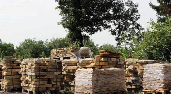 Přírodní kámen ihned k odběru