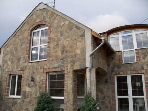 Obklad přírodní kámen na domě